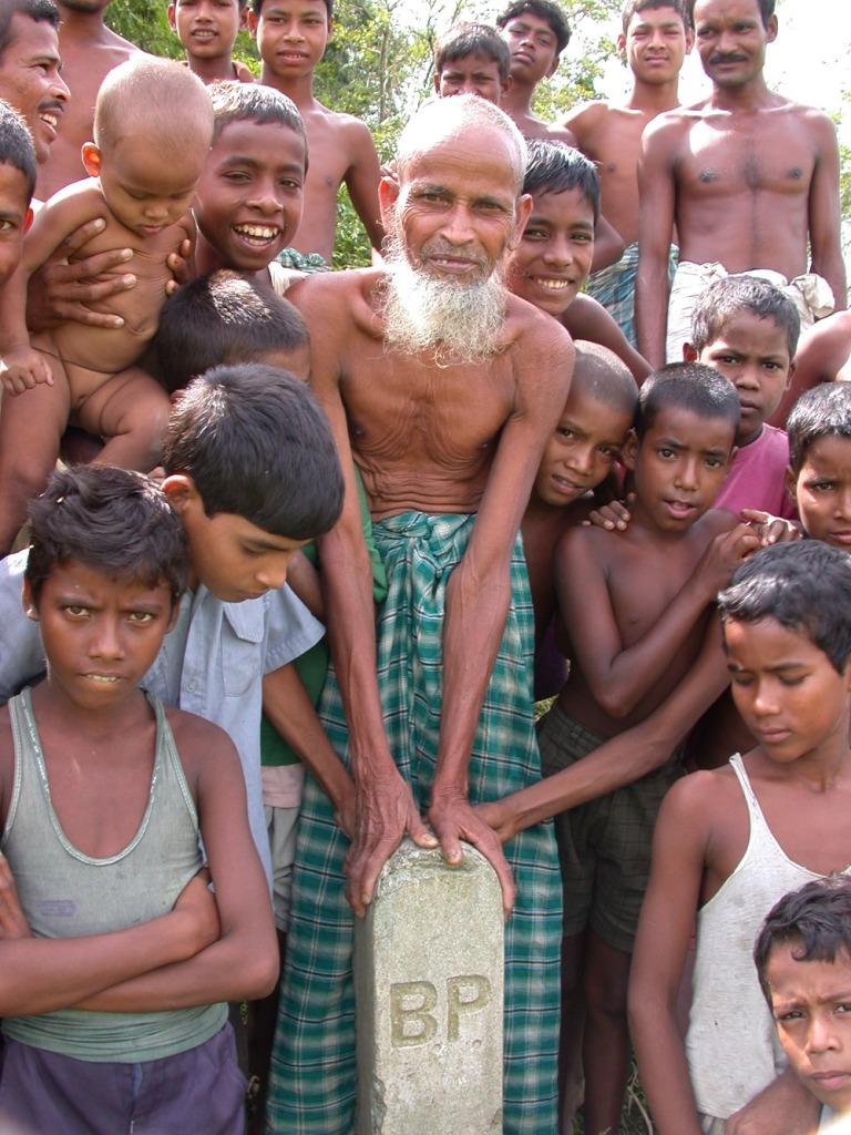 Bangladesh, enclave in Pakistan, 2002