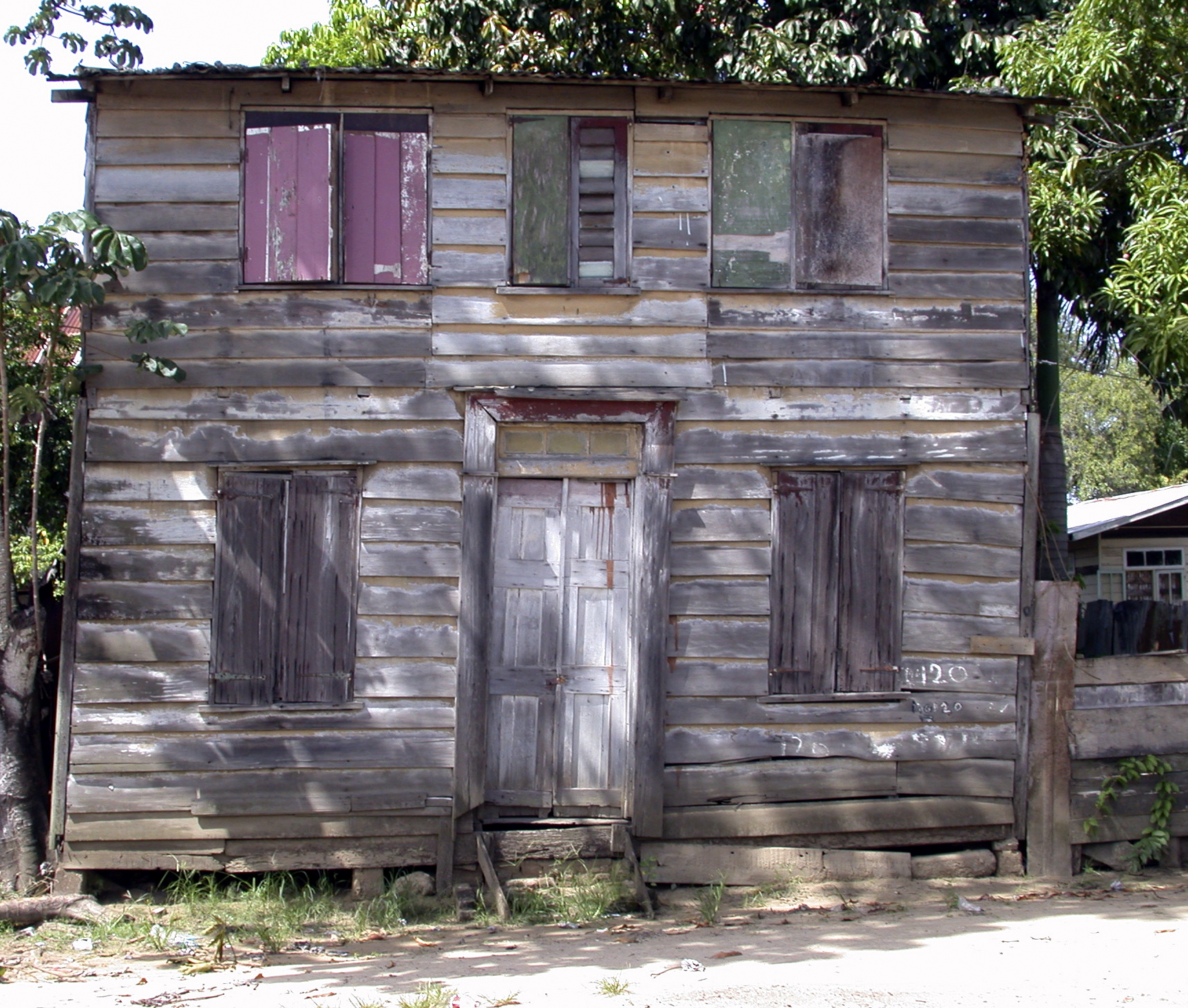Suriname,huis5,2002