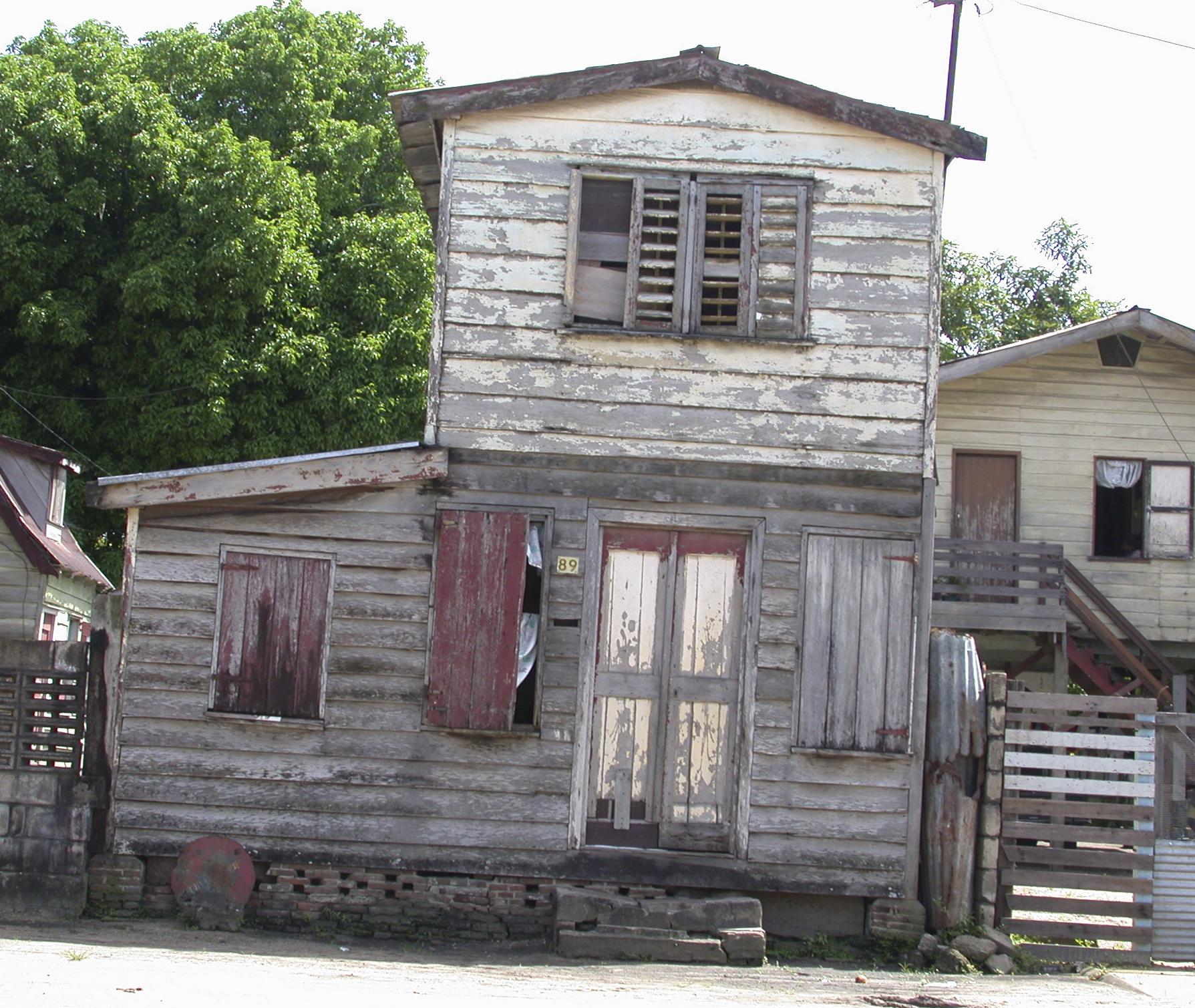 Suriname,huis6,2002